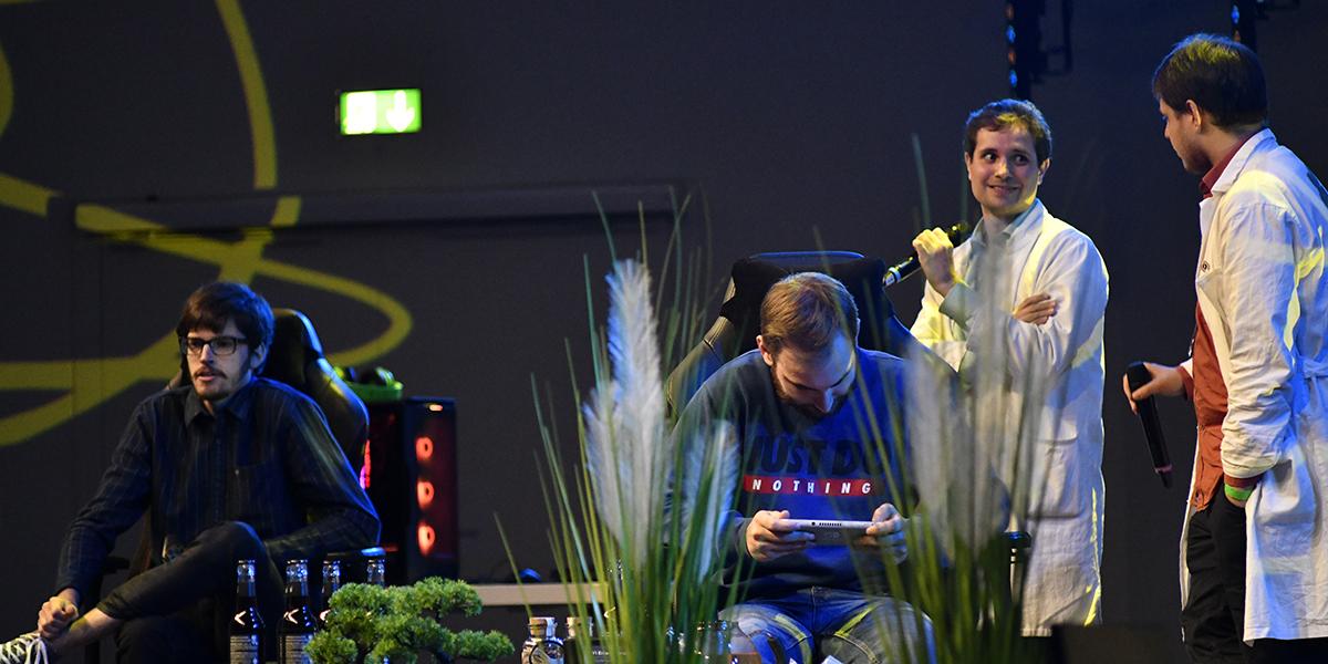 Professor Eukalyputs und Professor Kastan auf der Hauptbühne.